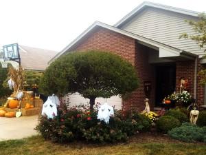 2013-residential-fall-display-graff-gardens