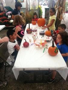 fall-fest-2013-pumpkin-painting-2E